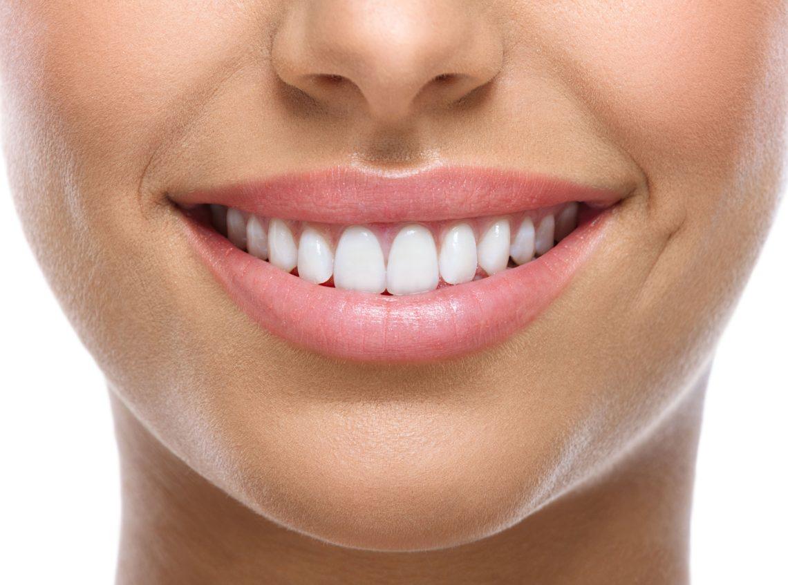 Parodontite Cure e Costi | AKOS Centro Odontoiatrico Dentisti Specializzati a Parma Carpi Modena Reggio Emilia Mantova