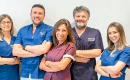 Dental Care AKOS: Eccellenze in Odontoiatria Estetica, Parodontologia, Chirurgia Orale